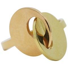 18 Karat Interlocking Circles Architectural Ring