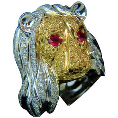 18 Karat Italy Unisex Huge 3.40 Carat Diamonds Ruby Lioness Ring 18 Karat