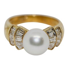 18 Karat Ladies Gold Ring Set with 20 Diamonds and Pearl, by Wempe