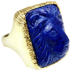 18 Karat Lapis Lazuli Carved Lion Ring