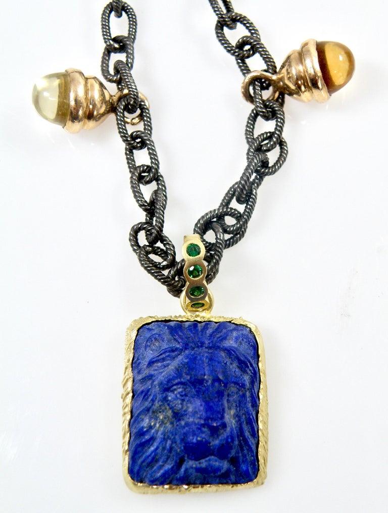 18 Karat Lapis Lazuli Carved Lionshead Pendant For Sale 1