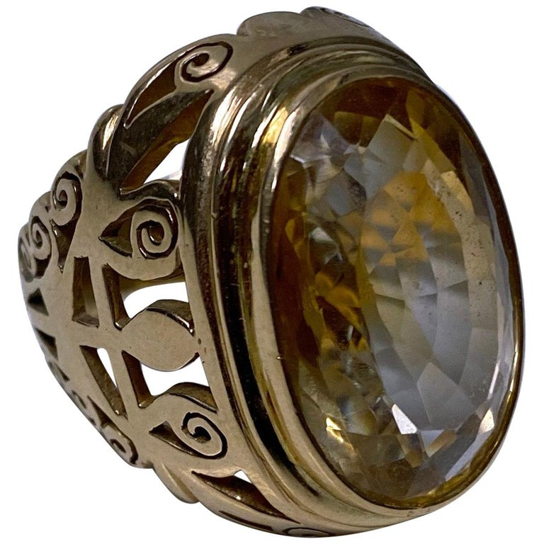 18 Karat Large Citrine Ring, circa 1950 For Sale
