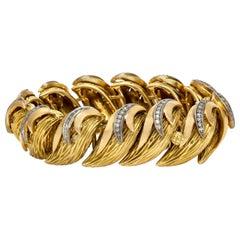 18 Karat Leafs Bracelet With Diamonds