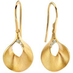 18 Karat Matte-Finished Yellow Gold Diamond Drop Earrings