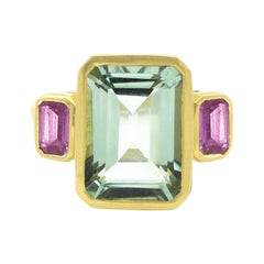 18 Karat Matte Yellow Gold 6.43 Carat Aquamarine and Pink Sapphire Trinity Ring