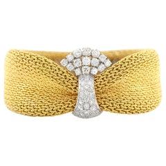 18 Karat Mesh Bracelet with Center Diamonds