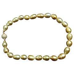 18 Karat Natural South Sea Yellow Pearls Necklace 2.00 Carat Diamond Clasp