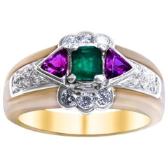 18 Karat Vintage  Platinum, Diamond and Emerald Ladies Ring