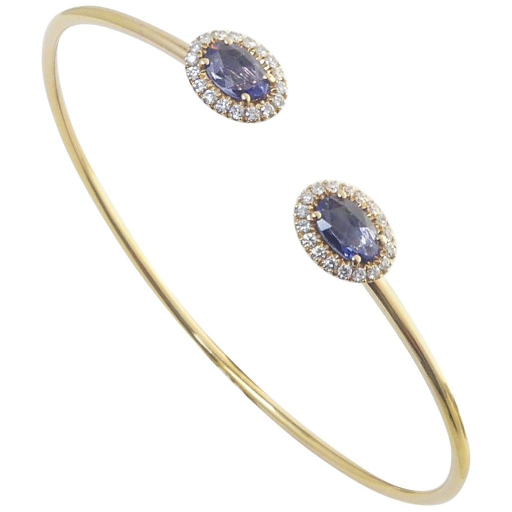 18 Karat Rose Gold 0.22 Carat White Diamonds 0.80 Carat Blue Sapphire Bangle