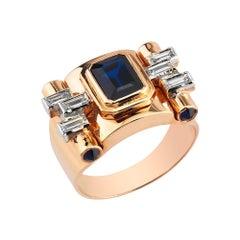18 Karat Rose Gold, 0.34 Carat Baguette Diamond, 1.35 Carat Sapphire Greta Ring
