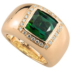 18 Karat Rose Gold 5 Karat Tourmaline 0.28 Karat White Diamond Design Ring