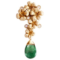 18 Karat Rose Gold Contemporary Drop Pendant Necklace with Diamonds and Emerald