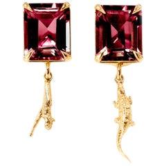 18 Karat Rose Gold Contemporary Earrings with Rhodolite Garnets