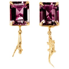 18 Karat Rose Gold Contemporary Earrings with Rubies