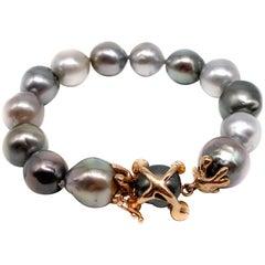18 Karat Rose Gold Cuff Whit Tahiti Pearls