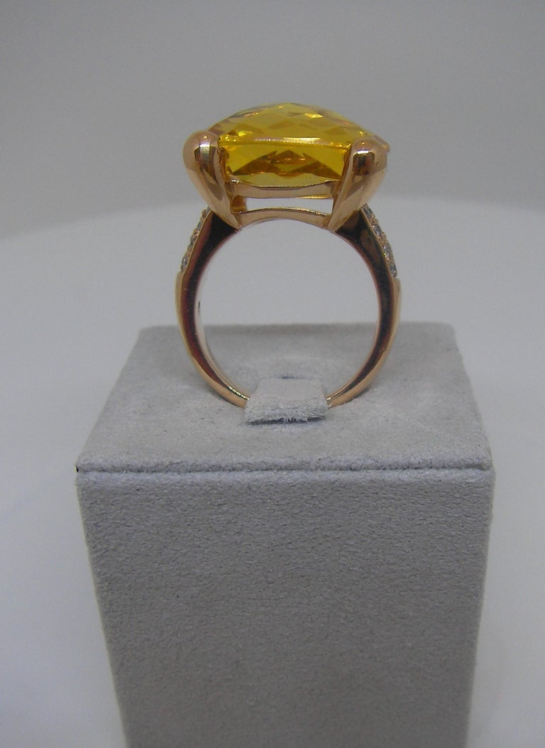 18 Karat Rose Gold Diamond and Citrin Coktail Ring In New Condition For Sale In Duesseldorf, DE