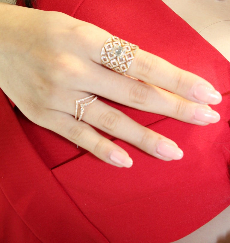 18 Karat Rose Gold Diamond Fashion Ring In New Condition For Sale In Macau, MO