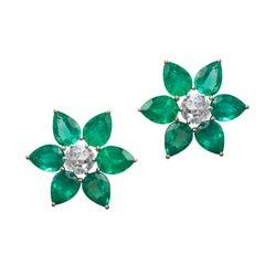 18 Karat Rose Gold Blumen Rosenschliff Diamant Smaragd Ohrstecker