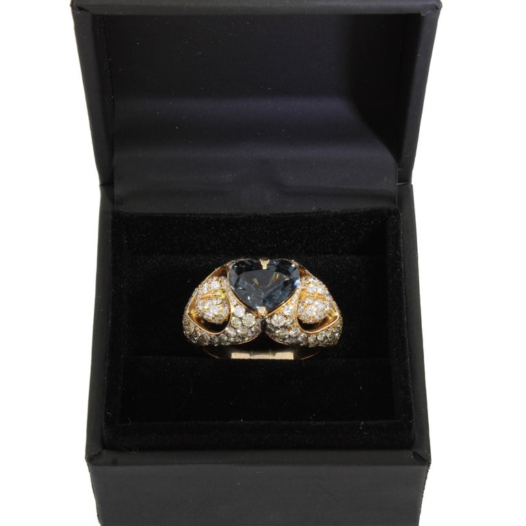 18 Karat Rose Gold Heart Blue Spinel and Diamond Engagement Ring For Sale 1