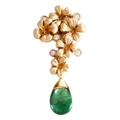 18 Karat Rose Gold Modern Style Brooch with Natural Diamonds and Emerald