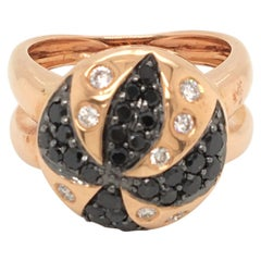 18 Karat Rose Gold Ring Set with Black and White Diamonds Made in Italy