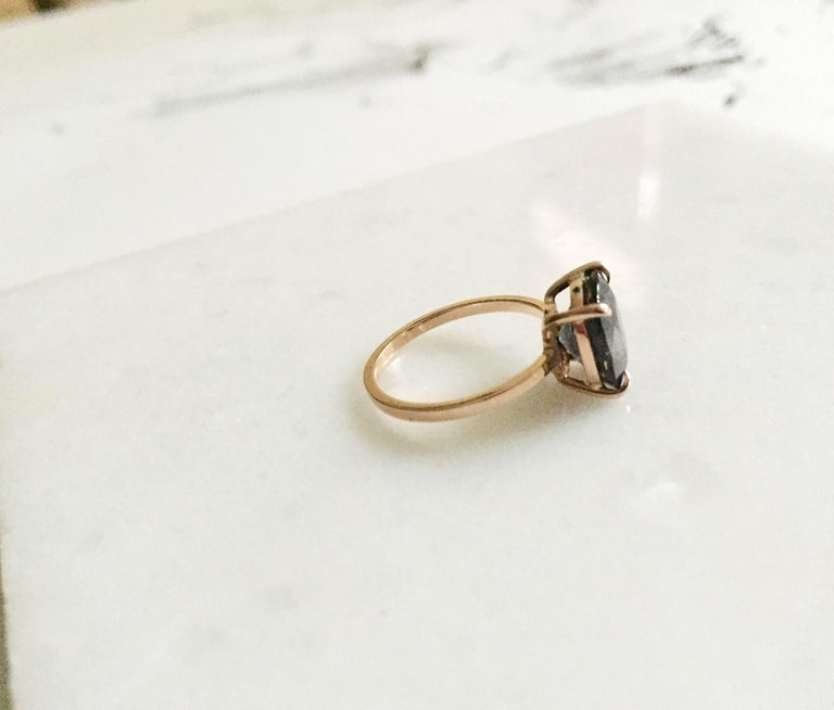 18 Karat Rose Gold Ring with 4.6 Carat Purple Spinel For Sale 4