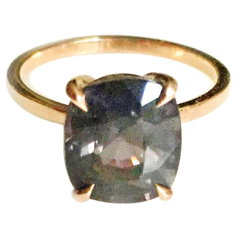 18 Karat Rose Gold Ring with 4.6 Carat Purple Spinel For Sale