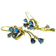 18 Karat Sapphire Flower Earring Ladies