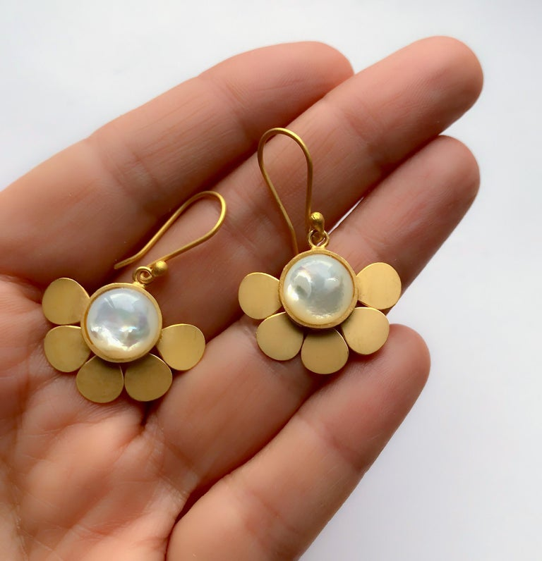 Contemporary 18 Karat Solid Yellow Gold Satin Finish Mother of Pearl Drop Earrings For Sale