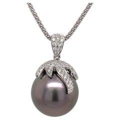 18 Karat Tahitian Pearl Diamond Pendant 0.83 Carats 15 MM