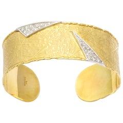 18 Karat UnoARerre Diamond Cuff