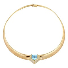 18 Karat VS Diamond Blue Topaz Tubogas Choker Collar Necklace