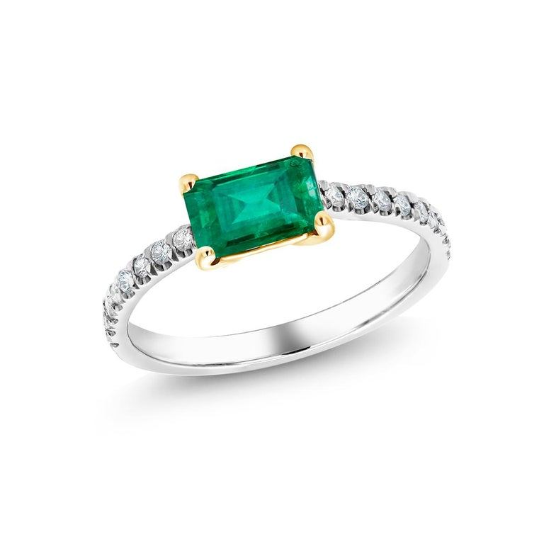 Eighteen Karat Gold Columbia Emerald Diamond Cocktail Ring  For Sale 2