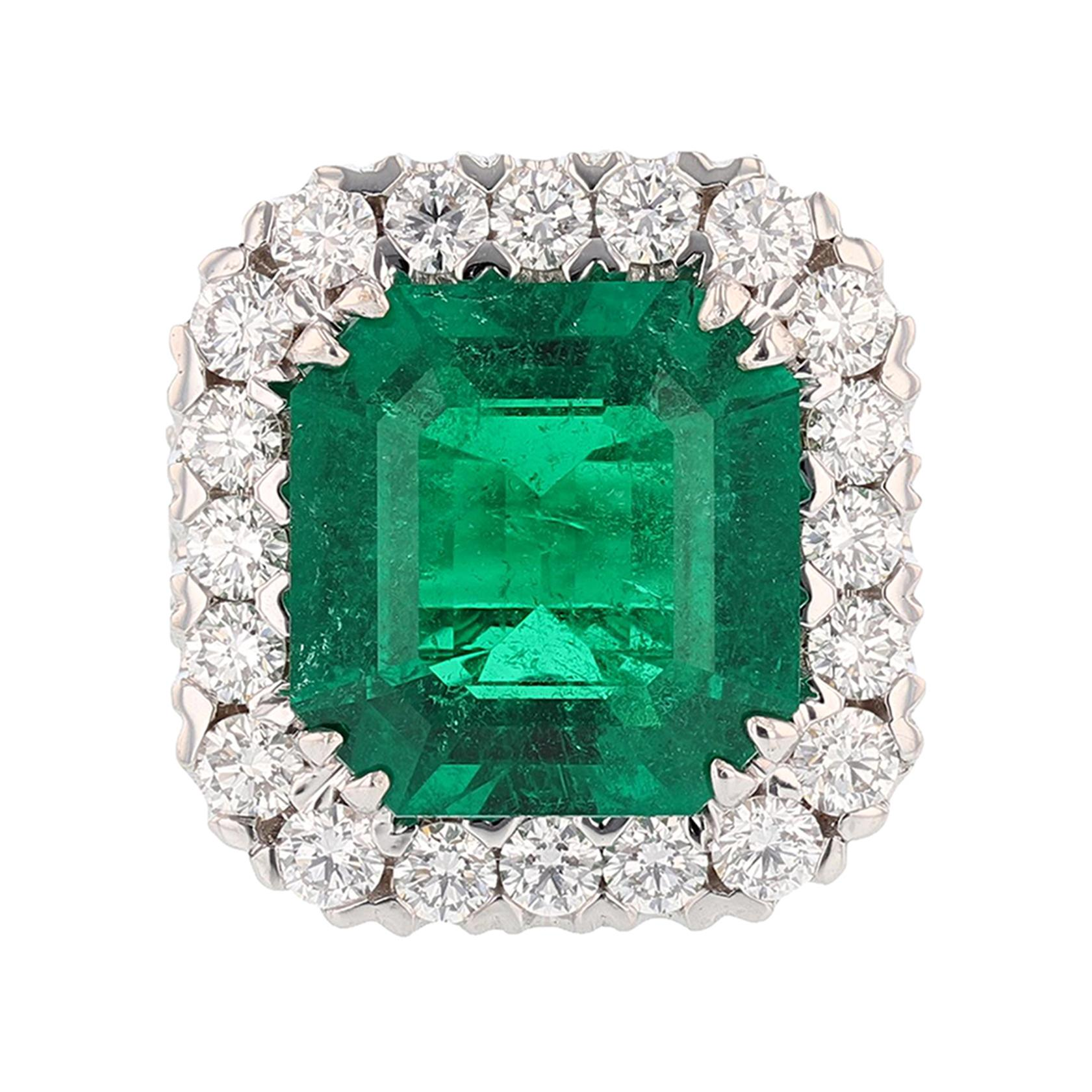 18 Karat White Gold 10.08 Carat Colombian Emerald 3.79 Carat Diamond Ring