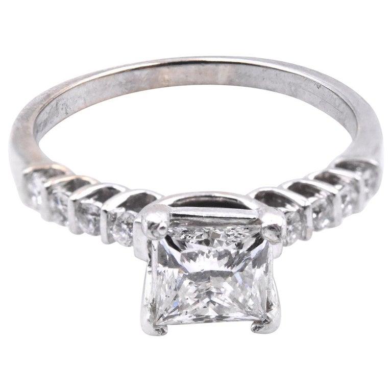 18 Karat White Gold 1.10 Carat Diamond Engagement Ring For Sale