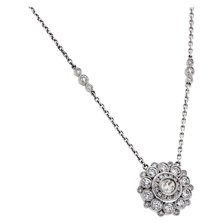 18 Karat White Gold 1.14 Carat Diamonds Flower Necklace