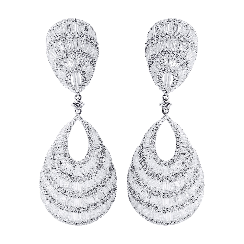 18 Karat White Gold 12.74 Carat Diamond Drop Cocktail Statement Earrings
