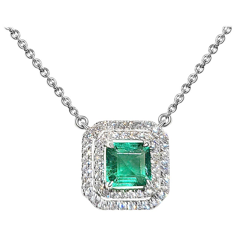 18 Karat White Gold 1.33 Carat Zambia Emerald Diamond Necklace For Sale