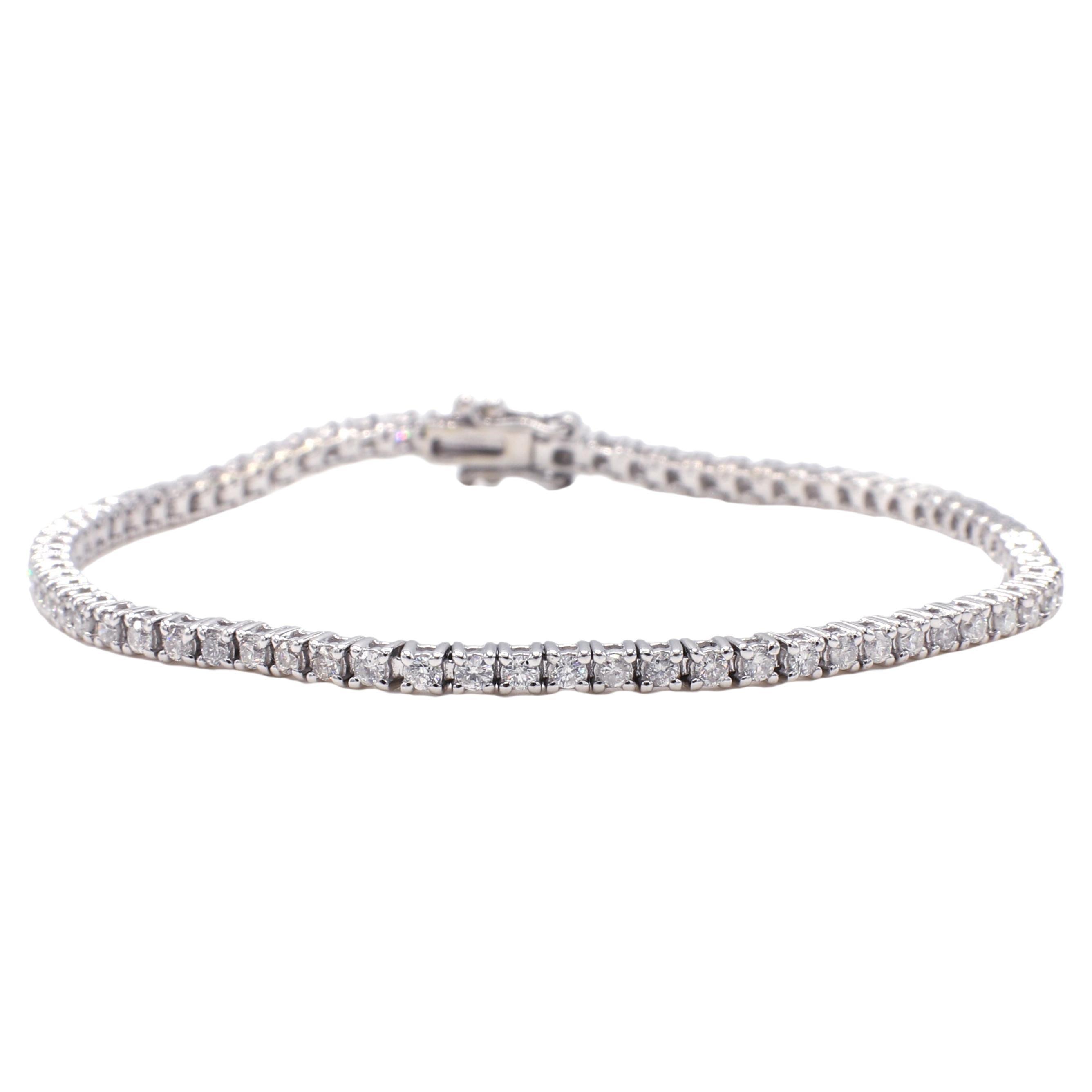 18 Karat White Gold 1.50 Carat Diamond Line Tennis Bracelet