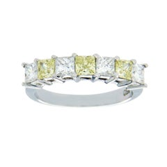 18 Karat White Gold 1.54 Carat Yellow and White Diamonds Wedding Band Ring