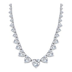 18 Karat White Gold 18.17 Carat Heart shaped Diamond Graduated Tennis Necklace