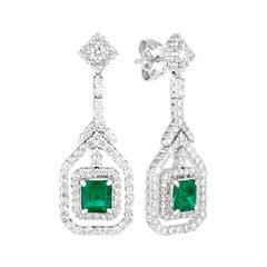 18 Karat White Gold 2 Karat Emerald 0.7 Karat Diamonds Drop Earrings