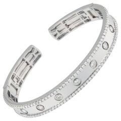 18 Karat White Gold 2.20 Carat VS, F-G Diamond Bangle Bracelet