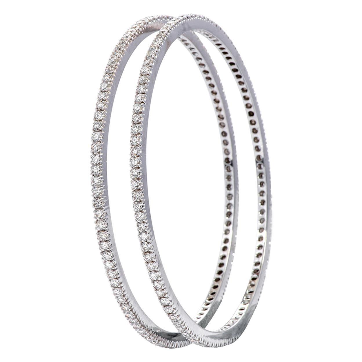18 Karat White Gold 3.00 Carat Diamond Brilliant-Cut Tennis Bangle Bracelet