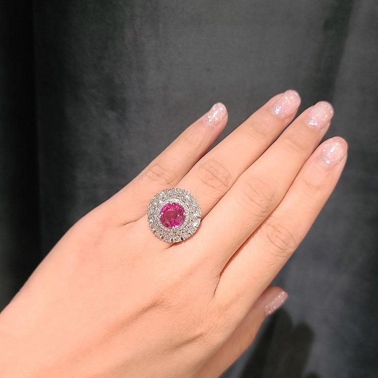 Women's 18 Karat White Gold 3.12 Carat No Heat Padparadscha Diamond Cocktail Ring For Sale