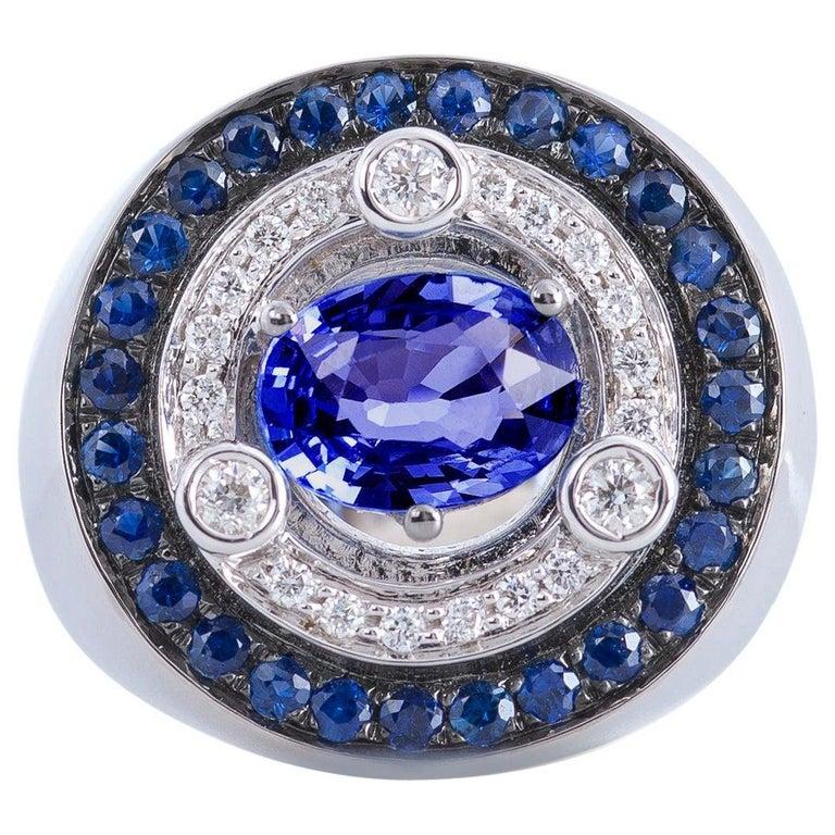 18 Karat White Gold 3.20 Karat Sapphires 0.30 Karat White Diamonds Ring For Sale
