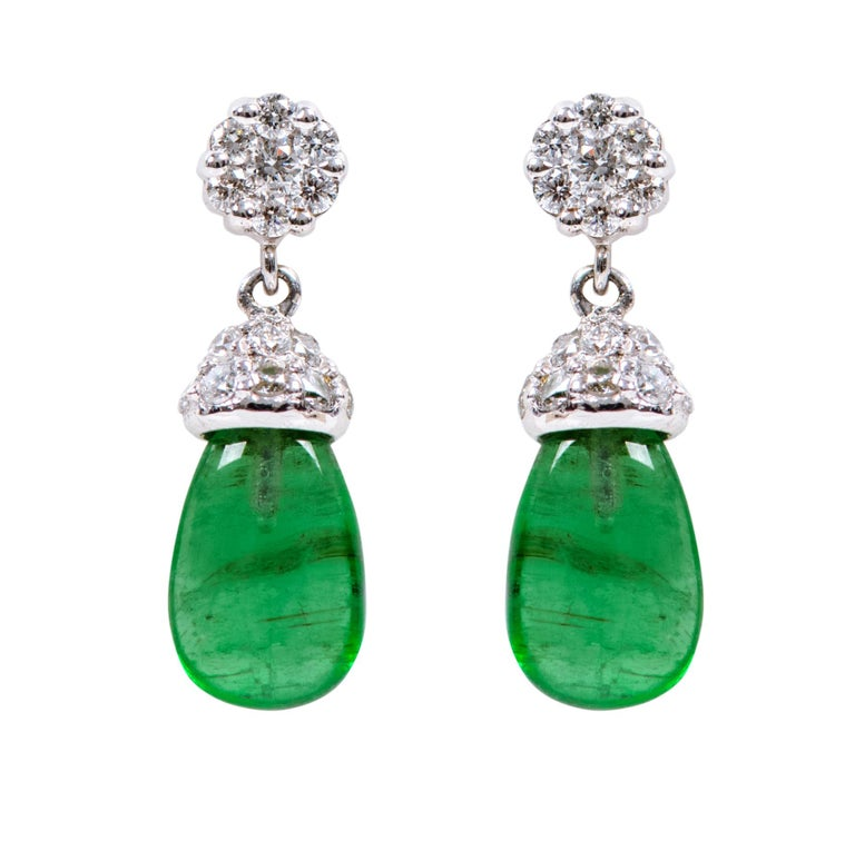 18 Karat White Gold 3.80 Carat Natural Emerald and Diamond Drop Earrings In New Condition For Sale In Jaipur, IN