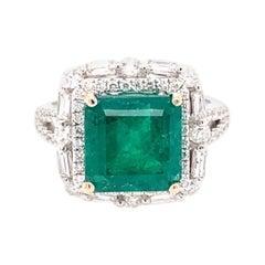 18 Karat White Gold 4.10 Carat Emerald Diamond Cluster Cocktail Ring