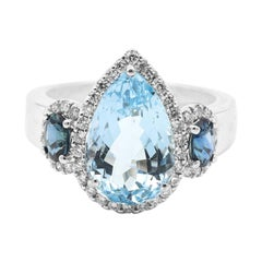 18 Karat White Gold 4.44 Carat Aquamarine, Sapphire and Diamond Three Stone Ring