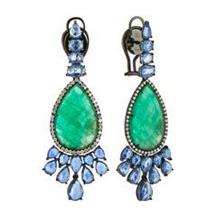 18 Karat White Gold 4.895 Karat Emerald 94 0.0075 Karat Diamond Drop Earrings